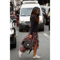#tendencias #moda para nosotras… lacasitademartina.com 👠👗👜 #streetstyle  #fashionblogger #fashion #trends #blogger #mom #mum #coolmom #lacasitademartina #lcmMum #fashionmom #fashionmum ©Notyourstandard