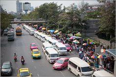 The way to Chatuchak Weekend Market Bangkok from the bridge of Mo-Chit BTS Station near Chatuchak Park - Bangkok, Thailand