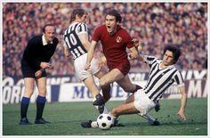 Graziani tra Benetti e Scirea (Juventus-Torino 1-1, aprile 1977)