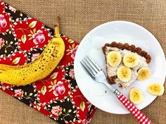Gluten Free & dairy free option Banana Cream Pie on MarlaMeridith.com