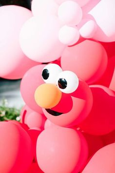 Don't miss this fun pink Elmo-themed birthday party! The cake is incredible! See more party ideas and share yours at CatchMyParty.com #catchmyparty #partyideas #elmo #elmoparty #girlbirthdayparty Ball Theme Birthday, Elmo Birthday Cake, First Birthday Party Themes, Girl First Birthday, Elmo Party Decorations, Balloon Decorations, Elmo Party Supplies, Cookie Monster Party, Jumbo Balloons