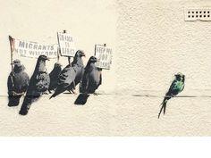 Obra de Banksy. Inglaterra: Clacton-on-Sea (Essex), 2014. El artista denuncia la actitud racista hacia los inmigrantes. La obra fue borrada por el Consejo del distrito al ser considerada ofensiva.