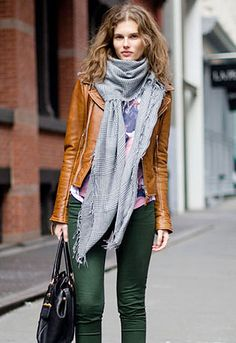 Oversized scarf, fitted leather jacket, tote bag and tousled hair - LOVE!