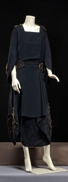 Afternoon dress, 1920s. Eve's black dress to match her new hat in Leave It to Psmith?