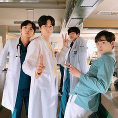 Korean Male Actors, Handsome Korean Actors, Korean Celebrities, Asian Actors, Science Fiction, Oppa Gangnam Style, Romantic Doctor, Ahn Hyo Seop, Lee Sung Kyung