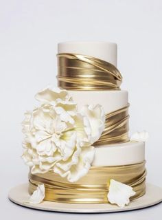 The Butter End Wedding Cake Inspiration Ron Ben-Israel Hochzeitstorte Inspiration Amazing Wedding Cakes, Elegant Wedding Cakes, Wedding Cake Designs, Gold Wedding Cakes, Wedding Bride, White And Gold Wedding Cake, Elegant Cakes, Wedding Themes, Trendy Wedding