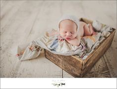 Looking for some great ideas for newborn photos that you can take yourself? This post is for you!
