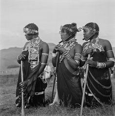 "@mzle_le on Instagram: ""Zulu Women|1949  Photo Credit/Caption ©Constance Stuart Larrabee #vintagephoto #africa #culture #zulu #africa #southafrica #art #heritage…"""