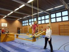 Ähnliches Foto Exercise Activities, Motor Activities, Exercise For Kids, Activities For Kids, Gym Games, Sports Games, Kids Sports, Toddler Gym, Kids Gym