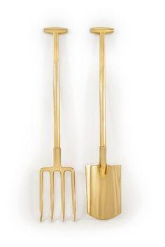 Gold   ゴールド   Gōrudo   Gylden   Oro   Metal   Metallic   Shape   Texture   Form   Composition   Golden garden tools (© Li edelkoort)