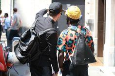 Street looks à la Fashion Week homme printemps-été 2014 de Milan, Jour2 http://www.vogue.fr/vogue-hommes/mode/diaporama/street-looks-a-la-fashion-week-homme-printemps-ete-2014-de-milan-jour-2/14034/image/781413#!17