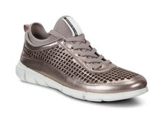 ECCO Womens Intrinsic Sneaker (WARM GREY METALLIC)