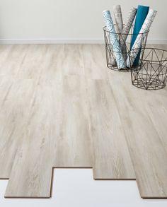 Sfeervolle vloer: laminaat Lodge grijs / eiken. > https://www.kwantum.nl/vloer/laminaat/vloer-laminaat-laminaat-lodge-antraciet-eiken-0372155 #vloer #laminaat #interieur #kwantum