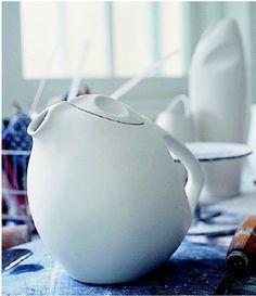 Porcelain tea pot from the ARP series by Australian designer, Geoffrey Denman.