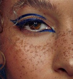 how-to-apply-eyeliner-to-accentuate-your-eyes - More Beautiful Me 1 Makeup Inspo, Makeup Art, Makeup Inspiration, Makeup Tips, Beauty Makeup, Hair Makeup, Makeup Ideas, Makeup Trends, Cute Makeup
