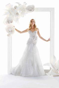 Paper Flower Handmade Medium White or Ivory or Custom Colors Wedding / Photobooth Backdrop / Wall Art Single or Groups