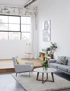 Studios Sisu meeting space- photographed by Sean Fennessy @Suzana Garrett Vilhena por que não um balanço na sala? Ooooolha a parede de tijolinho branco! Amei <3