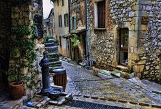 Tourettes, Provence  | by © Martin Pinker