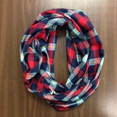 Flannel Infinity Scarf...make from second hand flannel plaid shirt? And could use buttons as accent!
