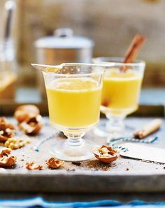 Jamie's hot buttered rum recipe is really something special; butter, rum and spices make this hot buttered rum cocktail the ultimate Christmas drink. Winter Cocktails, Christmas Cocktails, Christmas Recipes, Christmas Cooking, Hot Buttered Rum, Hot Toddy, Daiquiri, Jamie Oliver, Cocktail Drinks