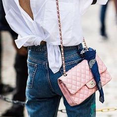 Sunday's Inspiration: How To Wear A Knotted Shirt