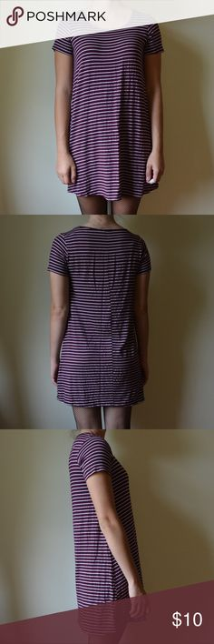 Forever 21 Striped Dress Kinda short but in a cute way! Super soft fabric Forever 21 Dresses