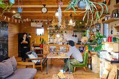 「住む」より「楽しむ」をスローガンに、ログハウスなど個性豊かな木の家での暮らしを提供しているBESS(ベス)。住む人が遊びごころを活かし、自然体でお…