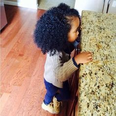 Start embracing natural, curly hair at a young age. I want my child to have pretty curly hair like mine (this). Natural Hairstyles For Kids, Little Girl Hairstyles, Black Hairstyles, Hairstyles 2016, Formal Hairstyles, Straight Hairstyles, Baby Kind, Pretty Baby, Beautiful Children