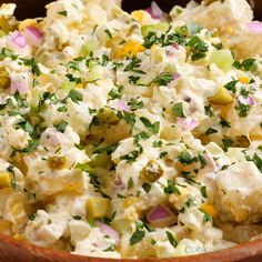 Our families FAVORITE potato salad! Made with basic ingredients, perfectly heart… Our families FAVORITE potato salad! Made with basic ingredients, perfectly hearty and rich and it's just so delicious! A must have summer recipe! Southern Potato Salad, Classic Potato Salad, Creamy Potato Salad, Potato Salad With Egg, Egg Salad, Simple Potato Salad, Best Potato Salad Recipe, Potato Recipes, Russet Potato Salad Recipe