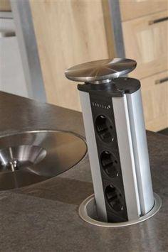 handige oplossing voor de stekkers in de keuken!