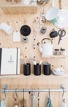 DIY kitchen rack of underlayment | Styling Corrien Flohil | vtwonen doe-het-zelf episode 9