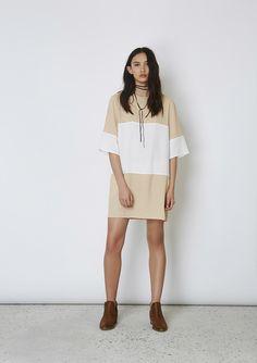 DAYDREAMING T-SHIRT DRESS sand/ ivory