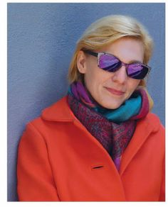20/20 Art Director, Iris Johnson has an insatiable taste for color and an adventurous spirit when it comes to eyewear, and @Lafont Paris  and CustomEyes have combined here for a perfect fit in Lafont's Ivy.