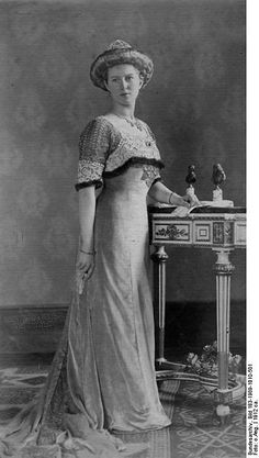 Granddaughter in law of Queen Victoria - Princess Victoria Adelaide of Schleswig-Holstein-Sonderburg-Glücksburg (1885 – 1970) Married to Charles Edward, Duke of Saxe-Coburg and Gotha. Five years before the marriage, he had succeeded to the duchy of Saxe-Coburg and Gotha upon the death of his uncle Alfred, Duke of Saxe-Coburg and Gotha in 1900. In 1918, the Duke was forced to abdicate his ducal throne, following the end of World War I, forcing the family to become private citizens.