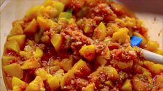 Ree stirs up a quick Peach Salsa with peppers and cilantro. Fancy Appetizers, Appetizer Dips, Appetizer Recipes, Food Network Recipes, Food Processor Recipes, Peach Salsa Recipes, Gluten Free Peach, Steak And Shrimp, Mexican Food Recipes