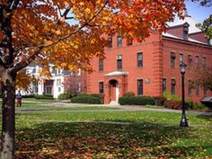 25 Top Ranking New England Colleges and Universities: Tufts University
