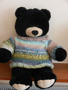 A super quick pattern for a jumper for your favourite bear. This is sized to fit a Bear Factory bear, but you can make it smaller by using lighter weight yarn.