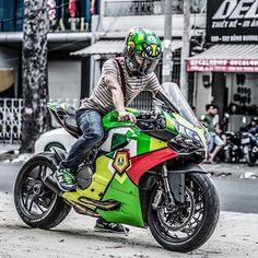 #mulpix S/O @decal4bike ・・・ 2 con rùa #ducati #superbike #panigale #899panigale #design #wrap #vinyl #sticker #decal4bike #hochiminhcity #valentinorossi #agv #agvhelmets #rossi46