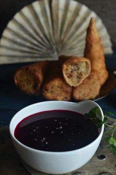 Najlepszy barszczyk czerwony - niebo na talerzu Chocolate Fondue, Chicken, Meat, Cooking, Desserts, Food, Dinners, Biscuits, Kitchen
