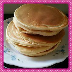 Comme promis voici déjà une recette que j'ai pu tester etapprouvée. Ce sont des pancakes délicieux et sans beurre que vous pourrez ensuite tartin
