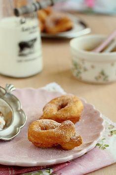Minion, Doughnut, Desserts, Food, Tailgate Desserts, Deserts, Essen, Minions, Postres