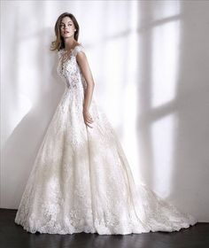 Patrick Loida wedding dress store sample on clearance at My Dream Dress in Southfield MI. Lace Wedding Dress, Wedding Dresses 2018, Wedding Dress Shopping, Cheap Wedding Dress, Wedding Bride, Bridal Dresses, San Patrick, Pronovias Dresses, Popular Dresses