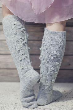Kärjestä aloitettavat köynnössukat Novita 7 Veljestä | Novita knits