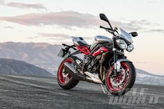 2015 Triumph Street Triple Rx – First Look Triumph unveils a new special edition of the Street Triple R.