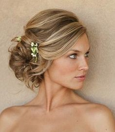 great hair color and hilites.....Side Updos: Hot Trend for Formal Occasions: Gorgeous Side Updo: Perfect for Long Hair