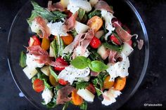 Välimerellinen mansikka-mozzarellasalaatti | PALEOKEITTIÖ Caprese Salad, Mozzarella, Feta, Cheese, Insalata Caprese