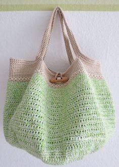 Spring/Summer/Fall/Winter Tote: free crochet pattern ༺✿Teresa Restegui http://www.pinterest.com/teretegui/✿༻
