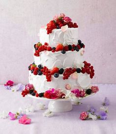 Torten: Eine dreistöckige Torte zum 60. Geburtstag | BRIGITTE.de