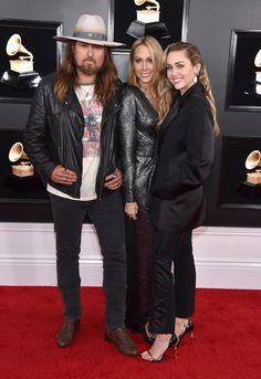 Billy Ray Cyrus, Tish Cyrus, and Miley Cyrus attend the Annual GRAMMY Awards at Staples Center on February 2019 in Los Angeles, California. Get premium, high resolution news photos at Getty Images Miley Tattoos, Lee Ann Womack, Miley Stewart, Billy Ray Cyrus, Red Carpet Looks, Celebs, Celebrities, Miley Cyrus, Celebrity Pictures