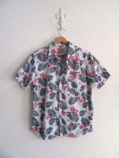 Fossil Mens Hawaiian Shirt Size Medium 100% Cotton EUC #Fossil #HawaiianTiki #tikiShirt #hawaiianShirt